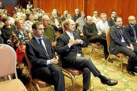 Mas-Colell: «Para salir de la crisis se necesita más política que economía»