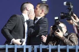 Bruno y Vincent, la primera pareja de homosexuales que se casan en Francia