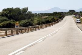 Concluye la instalación de barreras de seguridad en la carretera de Cap Blanc