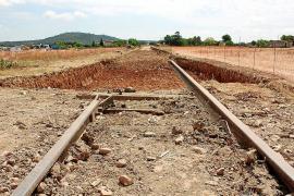 El Govern presupuestará en 2014 la creación de un corredor verde sobre el trazado del tren de Llevant