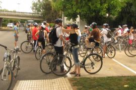 Cort presentará una propuesta en contra del uso obligatorio del casco para ciclistas en ciudad