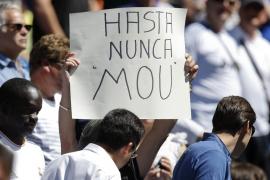 Mourinho cierra con victoria una época que deja al madridismo dividido