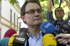 Mas: «hay países pequeños que viven mejor que España con su 27 % de paro»