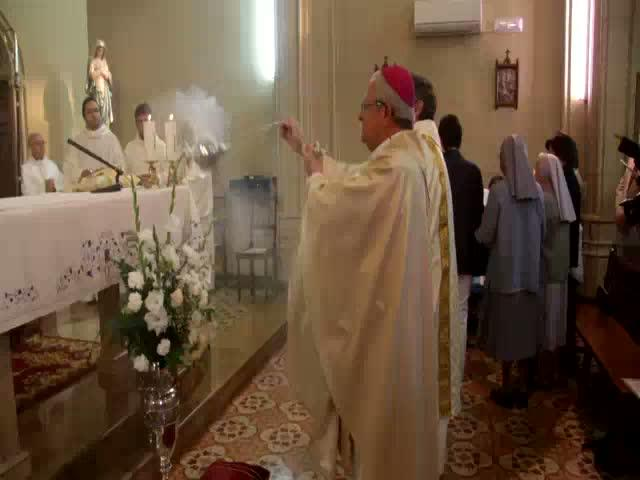 El obispo inaugura la primera  capilla de adoración perpetua
