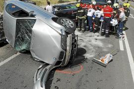 Un conductor ebrio provoca un grave accidente de tráfico en Consell