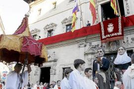 Solemne procesión del Corpus Christi en Palma, con la presencia dels Gegants de la Sala