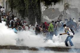 Policías y manifestantes se enfrentan en Estambul por cuarto día consecutivo