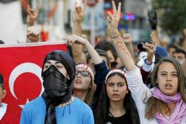 Las protestas se extienden en Turquía pese a las disculpas del Gobierno