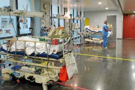Salud no descarta el traslado de pacientes a la Península por la falta de camas de UCI