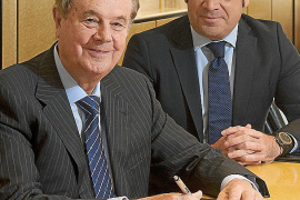 Escarrer pide a Rajoy menos tasas y que revitalice el tejido productivo para crear empleo