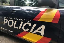 Un policía fuera de servicio salva a una mujer a punto de caer del balcón de un hotel en Palma