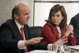 El Gobierno asegura que no reducirá el presupuesto para becas