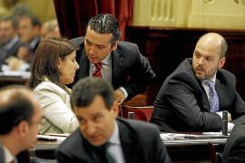 Més propone una reforma para que el partido del Govern haga menos preguntas