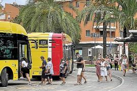 La huelga de autobuses TIB deja otra vez 'tirados' a docenas de turistas