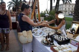 Mercado de oficios artesanos y artísticos en Palma
