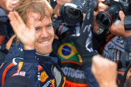 Vettel renueva con Red Bull hasta 2015