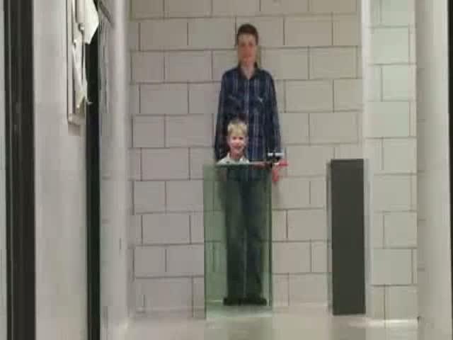 Un físico y su hijo crean una 'capa de invisibilidad'