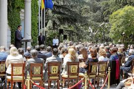 Rajoy pide a la banca que dé crédito y a los emprendedores que perseveren