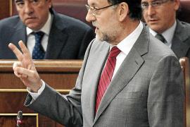 Rajoy y Rubalcaba escenifican su acuerdo sobre la UE y allanan la vía del pacto