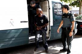 Orden de alejamiento para el africano que mordió en la cara a un policía en Sencelles