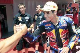 Salom, 'pole' en Moto3 tras pulveriza el récord del circuito