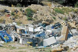 La empresa que gestiona los escombros pide 68 millones al Consell si éste anula el contrato