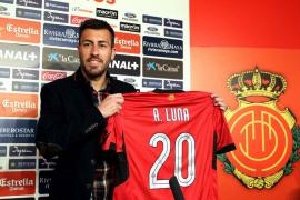 El Sevilla y el Aston Villa llegan acuerdo para el traspaso del defensa Luna