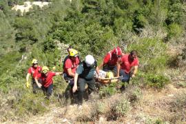 Herida una mujer de 60 años tras precipitarse con su vehículo en el Puig de Sant Salvador