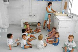 Cort deja sin 'escoleta' a muchos niños de Palma por dar más peso al domicilio laboral