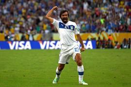 Pirlo y Balotelli alegran a Italia y alargan el ayuno mexicano