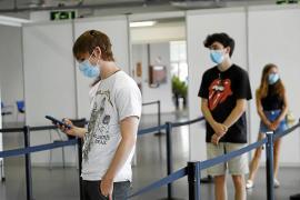 La alta vacunación en adolescentes, clave para un curso «más normal»