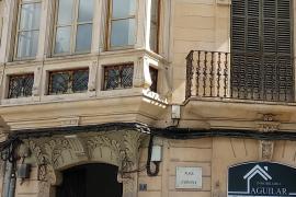 ARCA critica la pasividad de Cort ante el cableado en fachadas en Palma