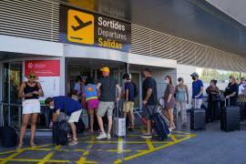 El Govern suprime el formulario a viajeros nacionales y acepta el pasaporte covid