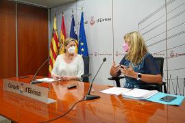 Carolina Escandell y Patricia Gómez, este miércoles en la sede del Consell d'Eivissa