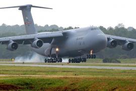 Aterrizaje de emergencia en Palma de un avión militar de EEUU que sufrió un fallo en el motor