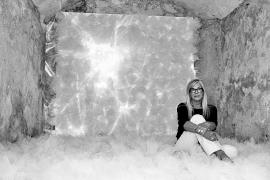 Vesna Mímica sugiere un «viaje interior» en la instalación 'Blow your mind'