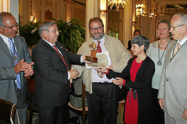La Asociación Amigos de los Molinos de Mallorca entrega su Molino de Oro.