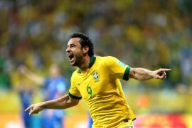 Brasil tumba a Italia y va a semifinales como líder del Grupo A