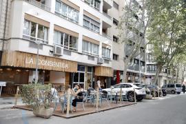Amics de la Terra pide al Ayuntamiento de Palma mantener las terrazas en la calzada