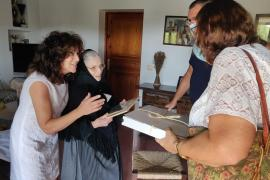 Maria Tur, vecina de Sant Josep, cumple 100 años
