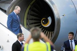 Putin admite que Snowden está en Moscú pero no piensa entregarlo a EEUU
