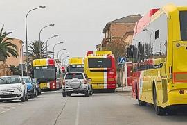 Malestar entre los vecinos y el Ajuntament de Campos por los problemas que causa la parada de bus