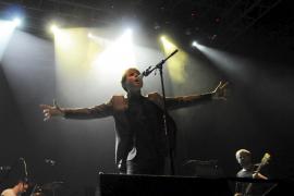 Franz Ferdinand lidera una noche de rock, marcha y buen sonido en el Palma Arena
