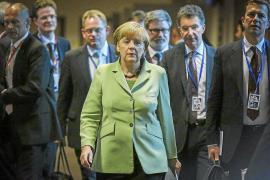 Merkel: «No podemos dar trabajo a cada uno de los jóvenes españoles»
