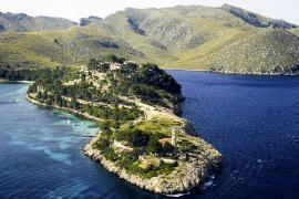 La oposición «fuerza» al alcalde de Pollença a combatir los fondeos de pago de la Punta Avançada