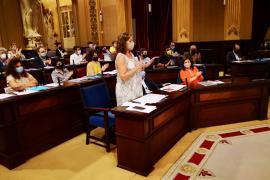 Armengol a Campos (Vox): «Me repugna la oposición que hace»