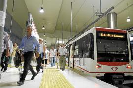 El metro seguirá funcionando en verano