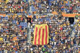 El Camp Nou se llena en concierto a favor del proceso soberanista de Cataluña