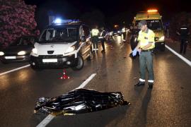 Un hombre muere tras ser arrollado por cuatro vehículos al cruzar a pie la autopista de Llucmajor