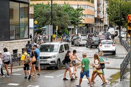 Las carreteras y calles de Ibiza vuelven a colapsarse con la lluvia
